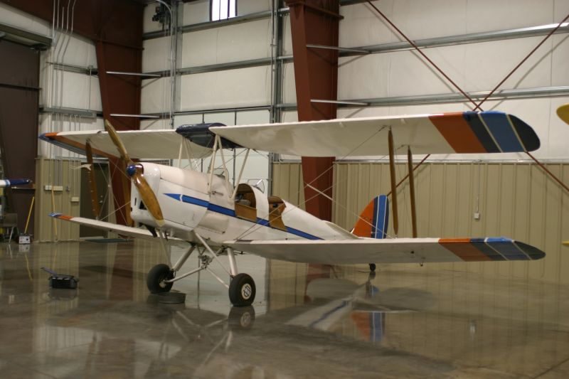 1942 de Havilland DH-82A Tiger Moth